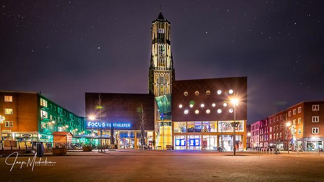 Filmfocus theather Arnhem by night