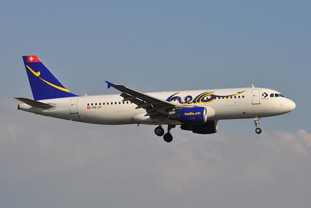 HB-JIY Airbus A320-214 EGPH 03-06-11