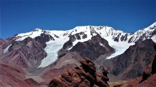 Los 10 lugares emblemáticos para realizar trekking en cordillera