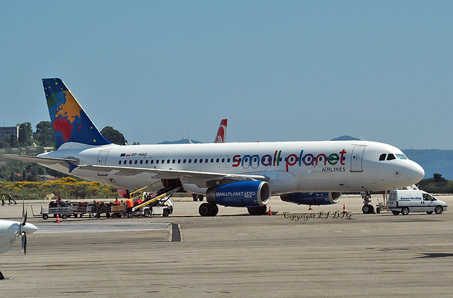 Airbus A320-232 SP-HAG Small Planet