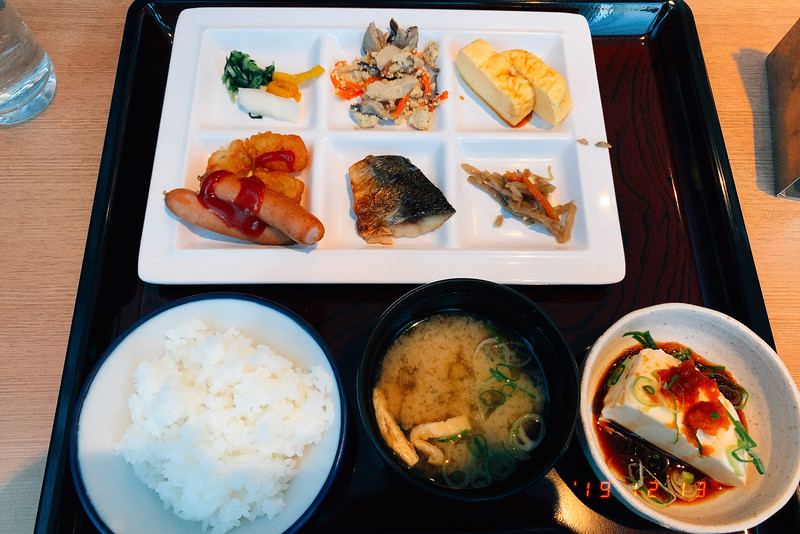 京都アパホテル京都祇園朝食ビュッフェ