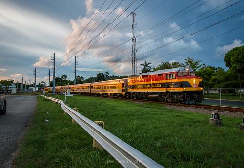 pcrc panama canal railway kcs train trains emd f40ph central south america city urban sunset passenger 1863 corozal