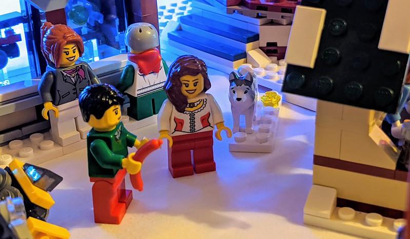 LEGO Snowflake Village 2019