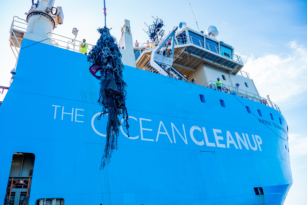 海洋吸塵器首次成功收集垃圾,任務在12月間完成。照片提供:The Ocean Cleanup