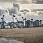 8. Detsember 2019 - 11:03 - Venice's bike path, beach and boardwalk under a thick cloud covered