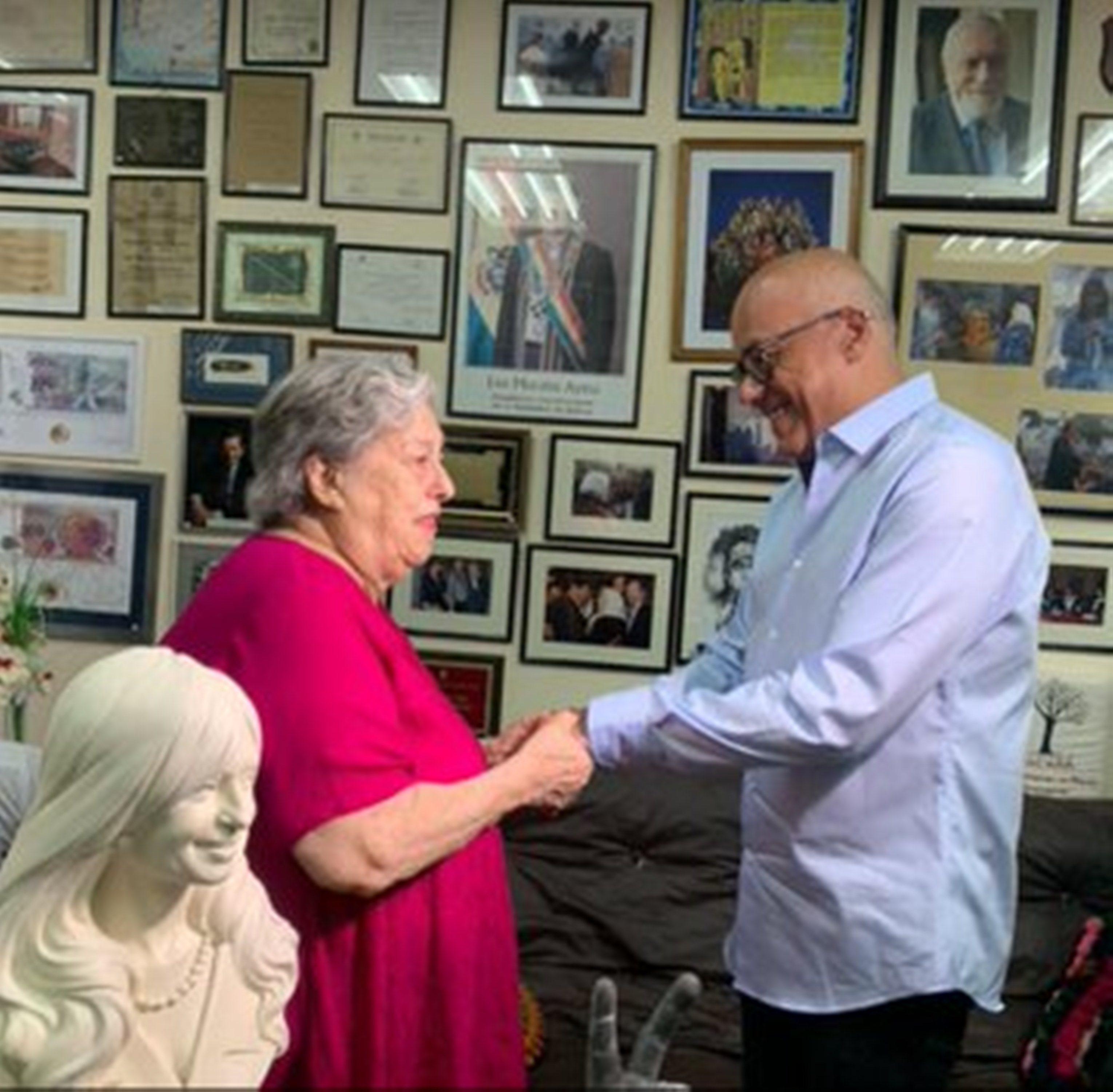 Vicepresidente Jorge Rodríguez se reúne con Hebe de Bonafini en Argentina
