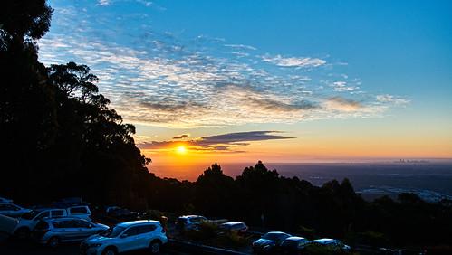 luminosity7 nikond850 melbourne australia sunset goldenglow clouds citybuildings portphillipbay mountdandenongobservatory hazyview