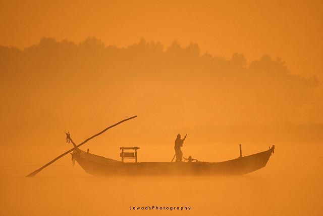 Mist & Th Boat-Man