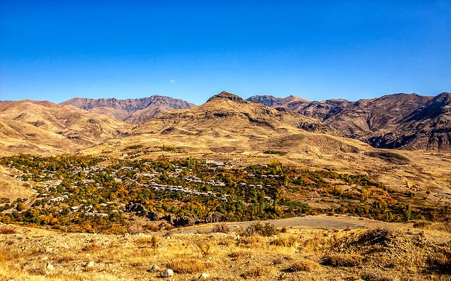 eine kleine Siedlung auf dem Weg nach Yelpin - Armenien