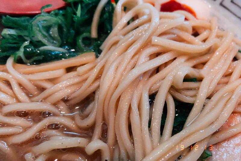 大阪吹田市諭吉魚介風味のしょうゆらーめんこってり自家製麵