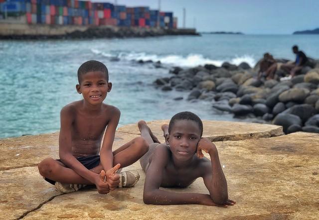 Niños de Santo Tomé y Príncipe