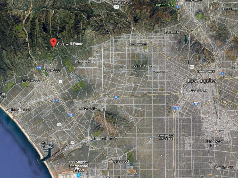 Dinh thự Chartwell nằm trên diện tích đất rộng hơn 4 hecta tại Bel Air - được mệnh danh là khu nhà giàu tại thành phố Los Angeles.