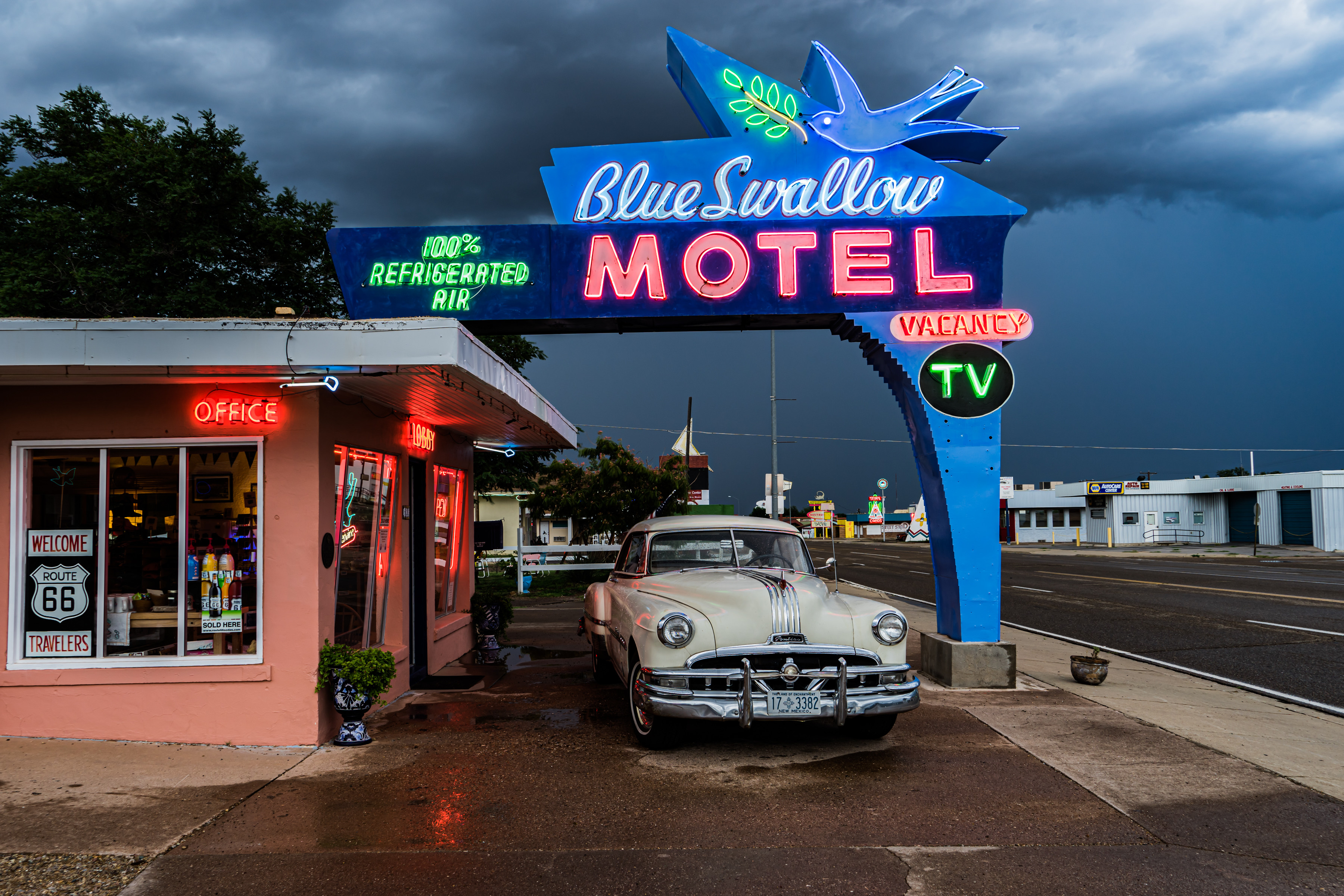Blue Swallow Motel - 815 East Route 66, Tucumcari, New Mexico U.S.A. - August 20, 2017