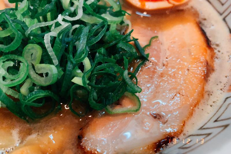 大阪吹田市諭吉魚介風味のしょうゆらーめんこってりの炙り焼豚