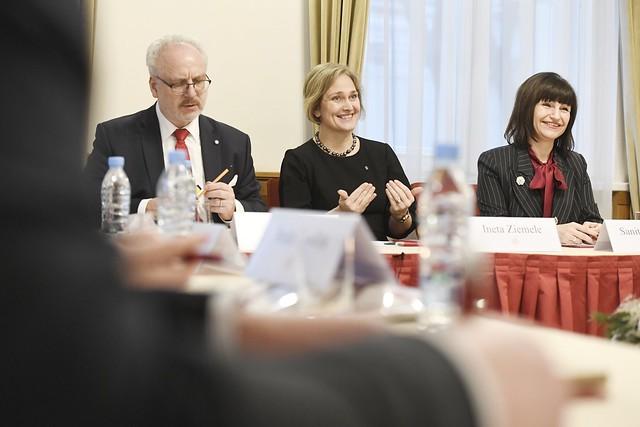 Valsts prezidents Egils Levits piedalās Konstitucionālo tiesību ekspertu domnīcā. Foto: Ilmārs Znotiņš, Valsts prezidenta kanceleja