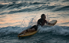 Ikaria/Ικαρία - Surfer at Mesakti beach in the evening