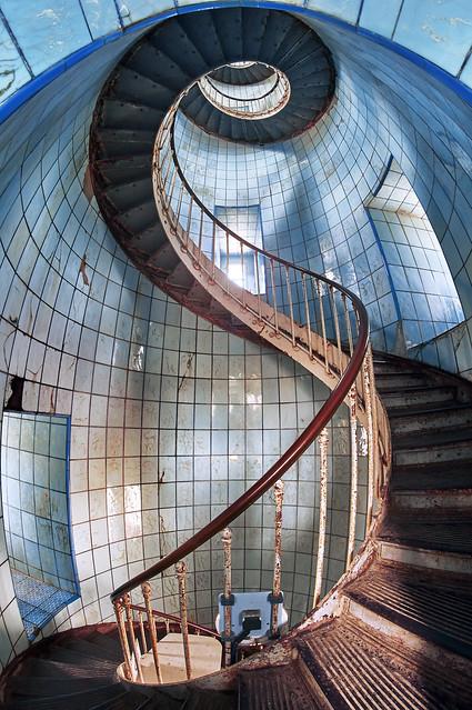 Strange stairs VI