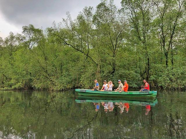 En canoa por manglares (Santo Tomé y Príncipe)