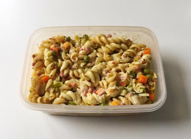 Sour cream bacon pasta - Leftovers II / Schmand-Schinken-Nudeln - Resteverbrauch II
