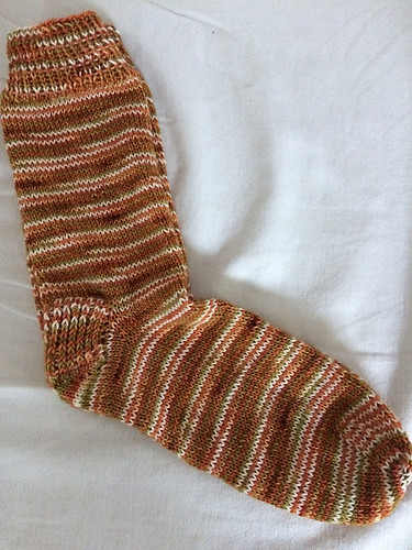 Kathy (chantrykathy)'s European Robin socks using Winwick Mum's Candy Cane Socks pattern