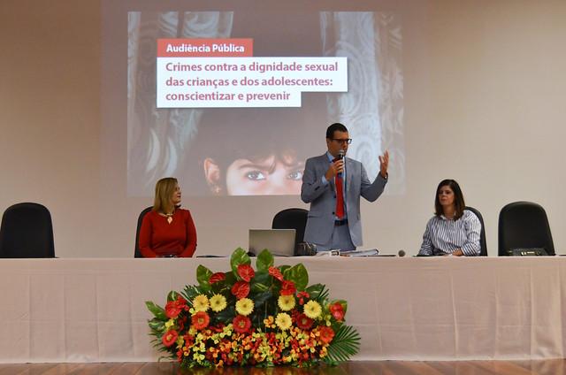 Audiência pública sobre crimes contra a dignidade sexual de crianças e adolescentes