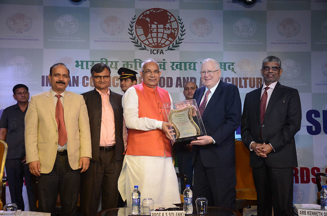 Receiving Global Leadership in Agriculture Award in India