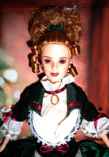 2000 Victorian Holiday Barbie & Kelly Giftset (6)