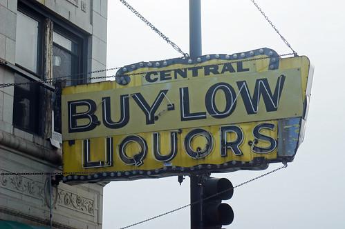 Dec 13 Chicago Liquor Sign