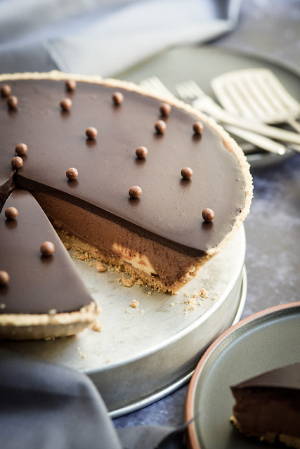 No bake chocolate cheesecake with cream cheese and mascarpone