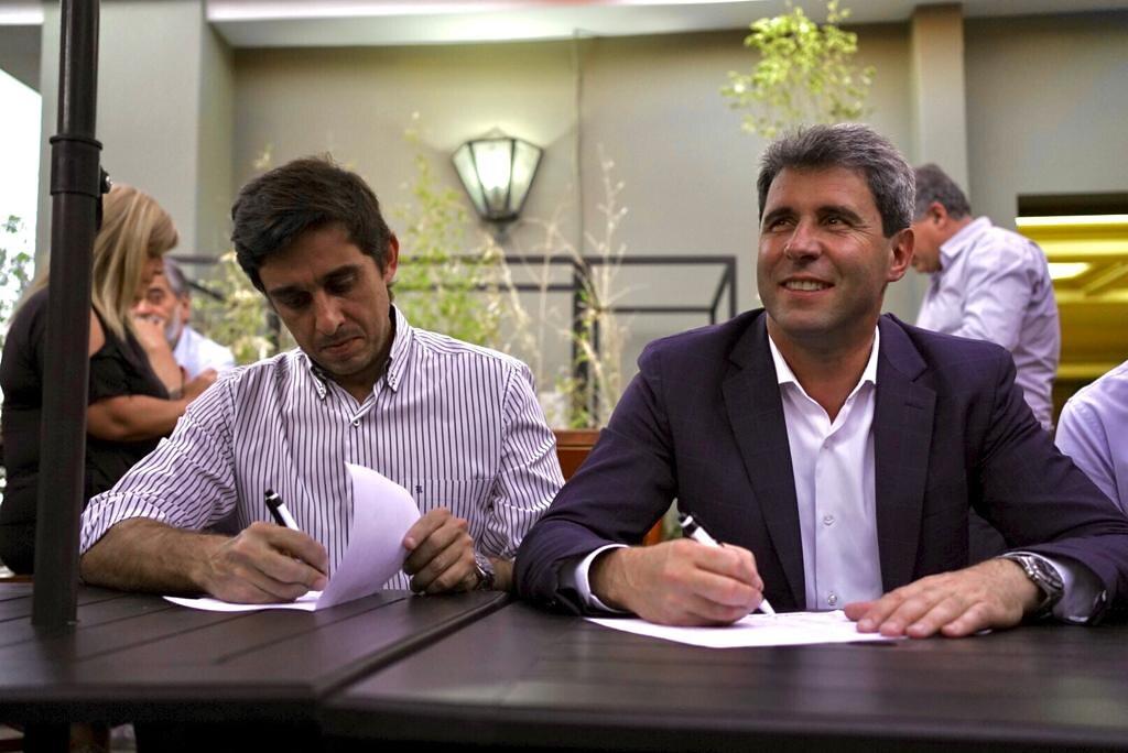 El gobernador Uñac votó al deportista del año