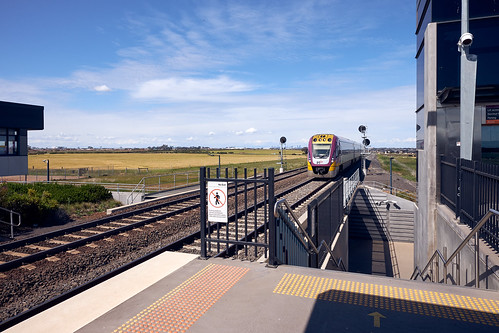 roadtrip tarneit rrl wyndhamvale vline diesel train