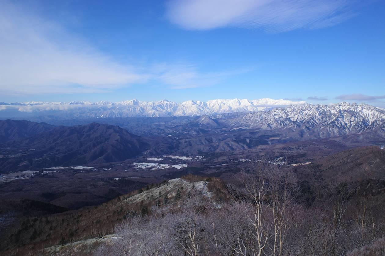 飯縄山から眺める北アルプス
