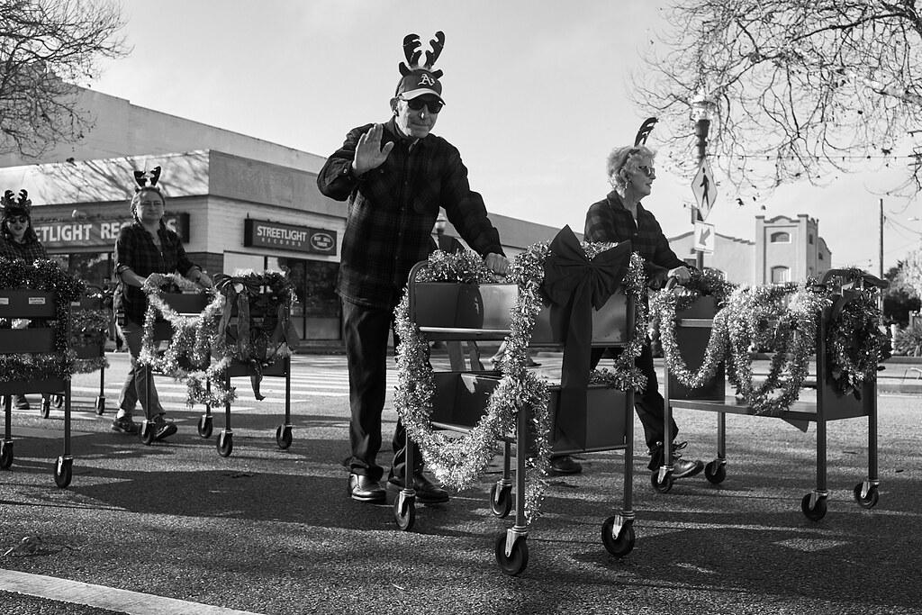holiday_parade_L1000724