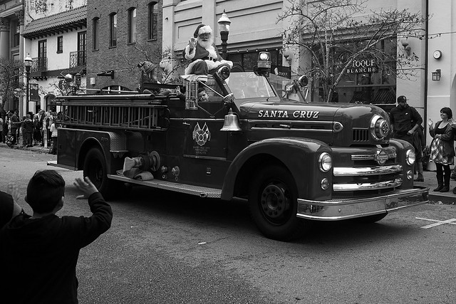 holiday_parade_L1000919