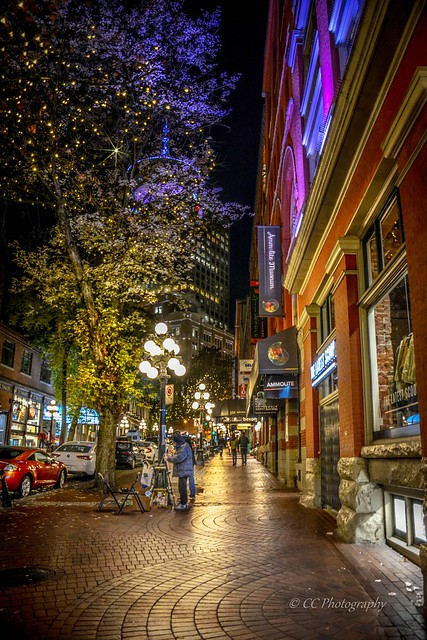 'By the light of a street lamp' - Historic Gastown