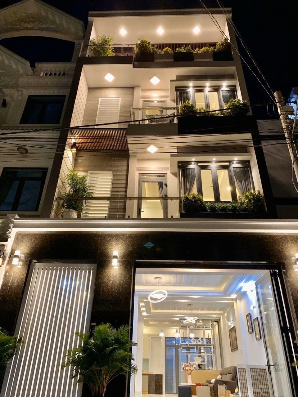 Nhà phố hiện đại 81m2 đường Đào Tông Nguyên ở Nhà Bè