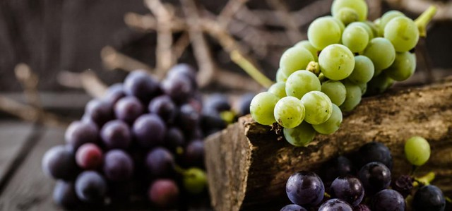 3697 10 Health Benefits of eating Grapes at least once a week