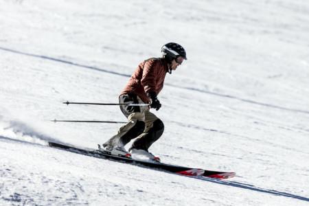 Hodinky pro sjezdové lyžování