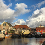14. Detsember 2019 - 10:51 - The Botterwerf is the oldest shipyard in the Netherlands that is still in operation. Spakenburg is the only place in the province of Utrecht that used to be on the sea, the Zuiderzee. Just like any other place on the former Zuiderzee, fishing was a major source of life. The fishing vessels have since been turned into a brown fleet. In Spakenburg, the shipyard is still making and repairing the old shipyard's botters for that fleet.  The history of the yard goes back to 1750. The yard consists of four slipways, a red wooden shed (1901), a bone shed (1840) and a forge (1904) on Oude Schans. The yard is a so-called sleigh yard, the ship is supported by a sleigh throughout its length. It is therefore extremely suitable for wooden ships. The wharf played an important role in the development of the Zuiderzee fishery.