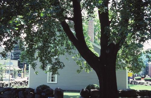 newengland massachusetts adamsnationalhistoricalpark saltboxhouse presidentbithplace 1700sarchitecture 1700shouse colonialarchitecture colonialhouse johnquincyadamsbirthplace quincyma