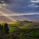 14. Detsember 2019 - 15:02 - La felicità è come quando si inghiotte improvvisamente dei raggi di sole nel pomeriggio, mentre i tuoi pensieri sono i tuoi messaggi al mondo. Proprio come i raggi sono i messaggi del sole. Oggi pomeriggio a Volterra - Pisa -------------------------------------------- Happiness is like when you suddenly swallow sunbeams in the afternoon, while your thoughts are your messages to the world. Just like the rays are the messages of the sun. This afternoon in Volterra - Pisa - Tuscany - Italy
