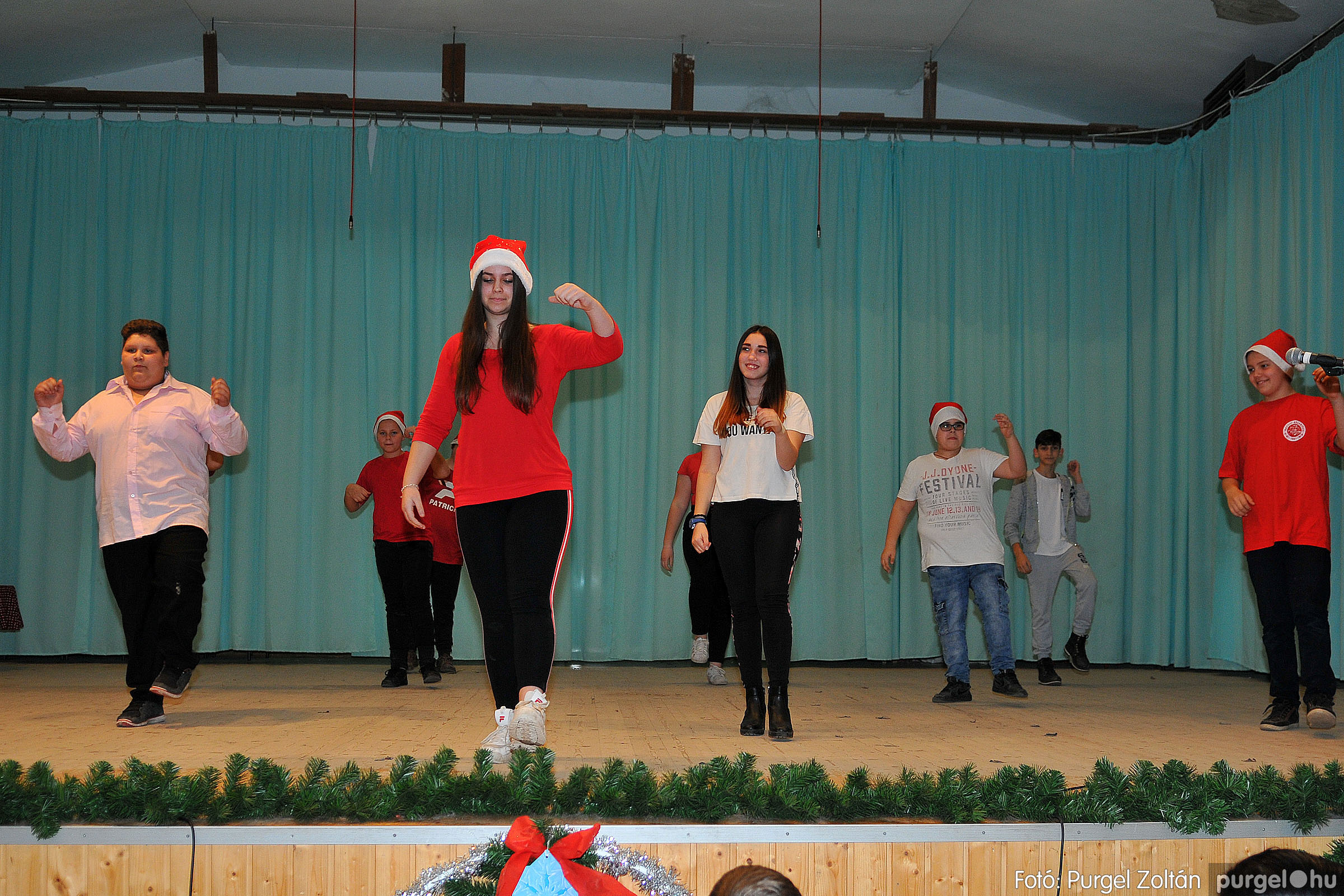 2019.12.13. 062 Forray Máté Általános Iskola karácsonyi műsor - Fotó:PURGEL ZOLTÁN© D3K_4256q.jpg