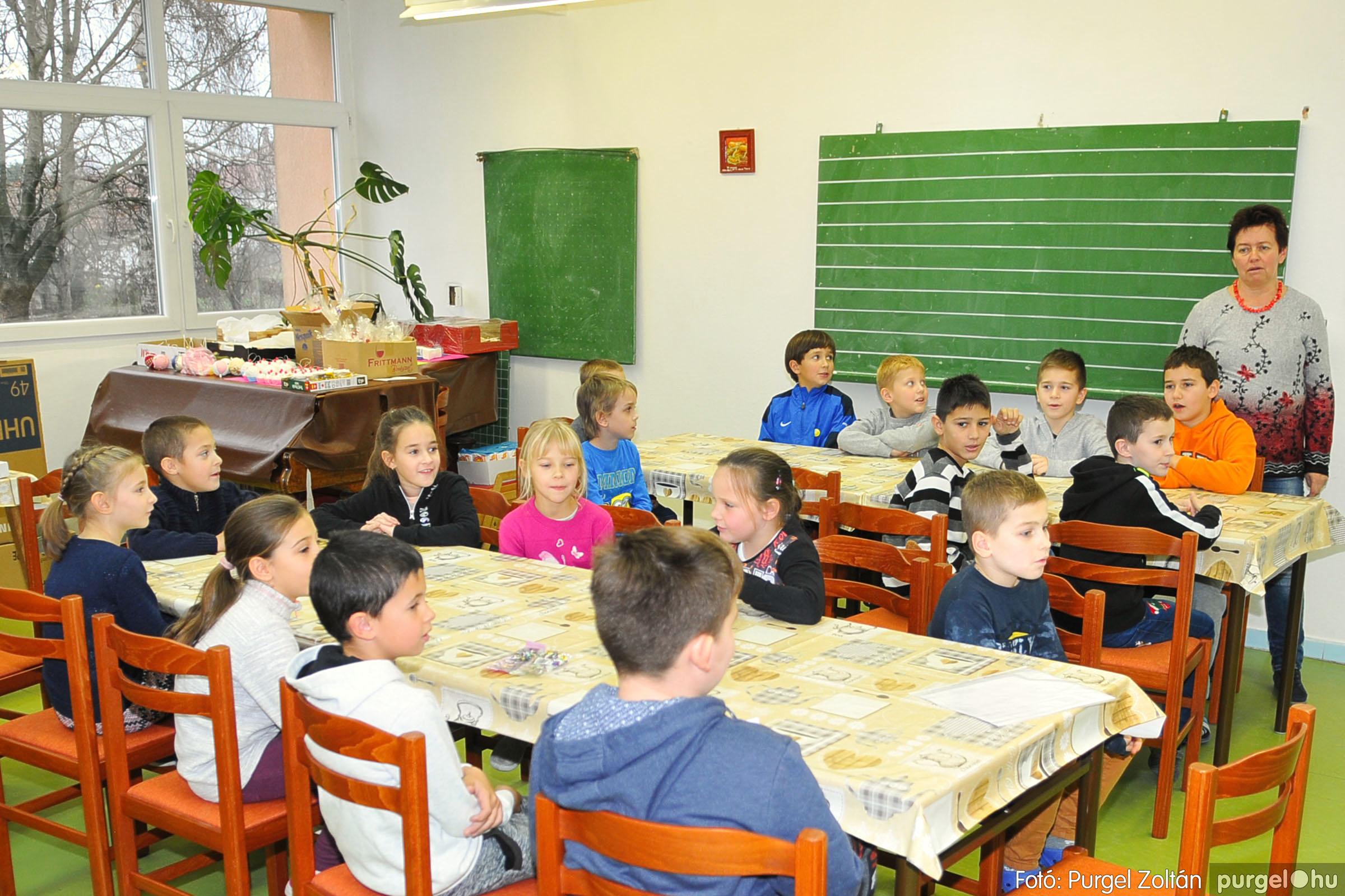 2019.12.06. 048 Mikulás körkép 2019. Forray Máté Általános Iskola, 2. osztály - Fotó:PURGEL ZOLTÁN© D3K_3240q.jpg