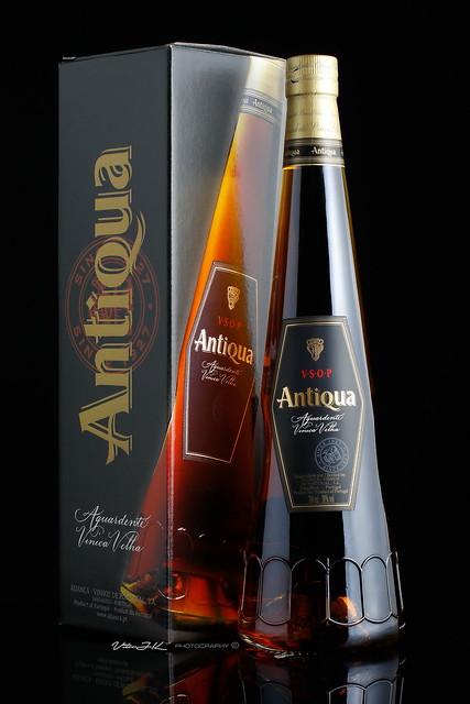 Antiqua  -  Aguardente Vínica Velha