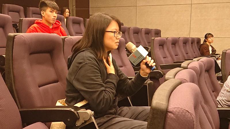 對於片中諸多名詞與情節上的疑問,鄭宇廉亦一一提出自己的看法與觀眾分享。圖/廖郁菁攝