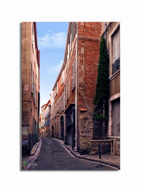 """""""La rue est le cordon ombilical qui relie l'individu à la société."""" De Victor Hugo"""