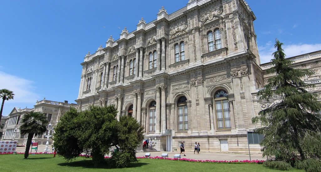 Bezienswaardigheden Istanbul: Dolmabahçe Paleis | Mooistestedentrips.nl