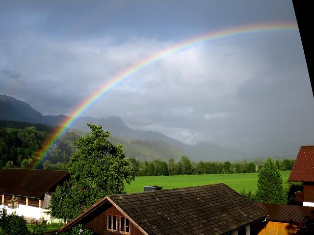 Regenbogen über Lehen im Ennstal