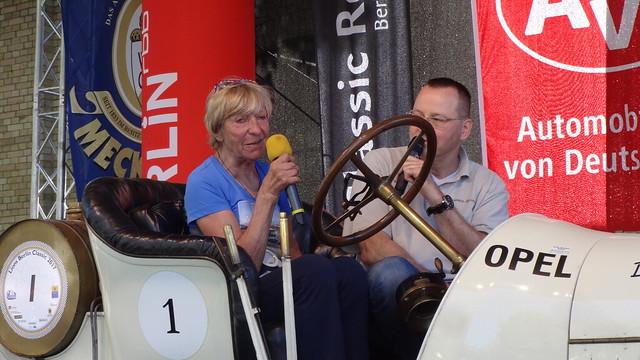 Rallyefahrerin und Berliner Original Heidi Hetzer (1937-2019) Classic-Remise Wiebestraße 59/Sickingenstraße 59-61 in 10553 Berlin-Moabit