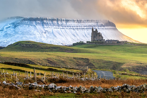 classiebawn castle mullaghmore valley county sligo mountain slieve league sea cliffs carrick donegal slieveleague highest snowcapped snow capped winter frozen 2019 hill cliff landscape scape ireland irish rocks nature natural tourist site visit nikon d810 gareth wray photography sky nikkor sigma zoom lens sun photographer mountains walk grange day vacation country house manor lord mountbatten cliffoney holiday europe bulbin wild atlantic way route sunset lands scenic cliffony 70200mm